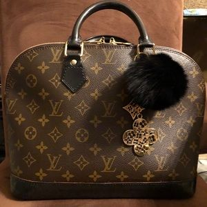 Authentic Louis Vuitton Alma pm no charm included